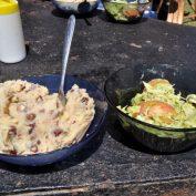 """Jirkův blog / Zápisky z Keni: Snídaně a večeře doma, na oběd do """"hotelu"""""""