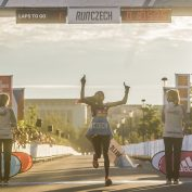 Světový půlmaratonský rekord Chepchirchirové v Praze na Letné